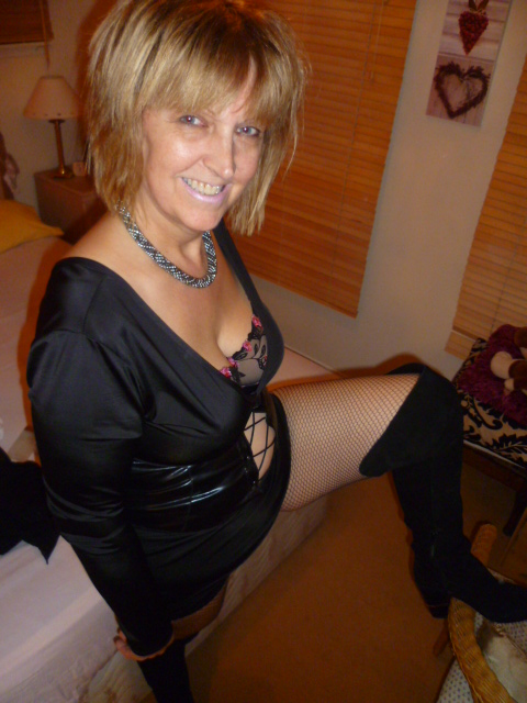 Image of North East mature female escort fun50minx