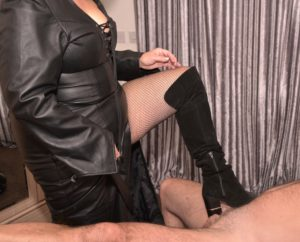Image of UK Dom fun50minx in leather