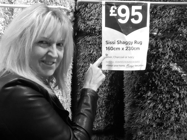 One of the UK's fave mature escorts fun50minx, shown here having fun out shopping
